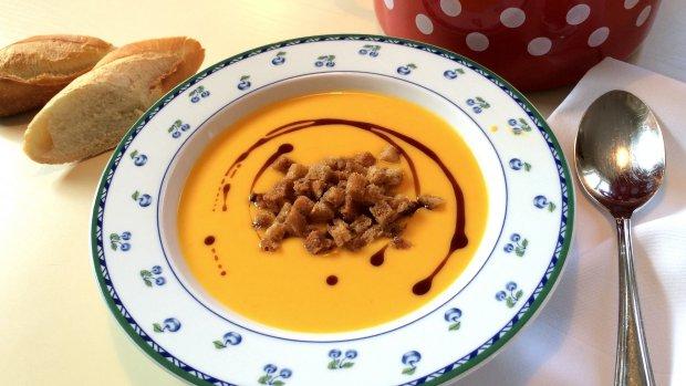 Dýňová polévka s pomerančem z Babiččiny zahrady
