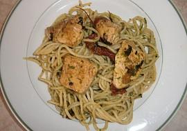 Špagety s rukolovým pestem a kuřecími kousky recept  TopRecepty ...