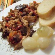 Kuřecí nudličky s červenou řepou recept