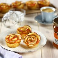 Jablkové růžičky s meruňkovým džemem recept