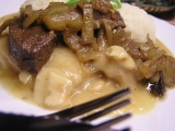 Přírodní plátek na česneku s játry na cibulce recept