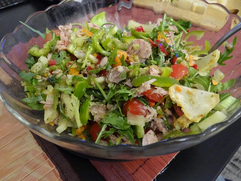 Letní salát s tuňákem recept