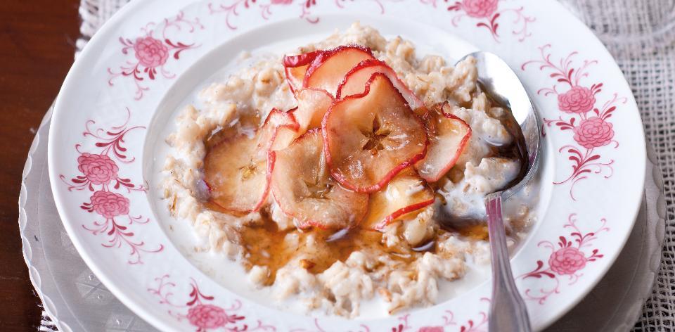 Ovesná kaše s jablky, medem a vanilkou