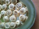 Skořicové šneky z listového těsta recept