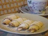 Jednoduché ořechové rohlíčky recept