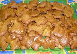Vánoční medové perníčky- jsou hned měkké recept