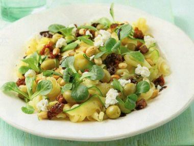 Těstovinový salát s olivami
