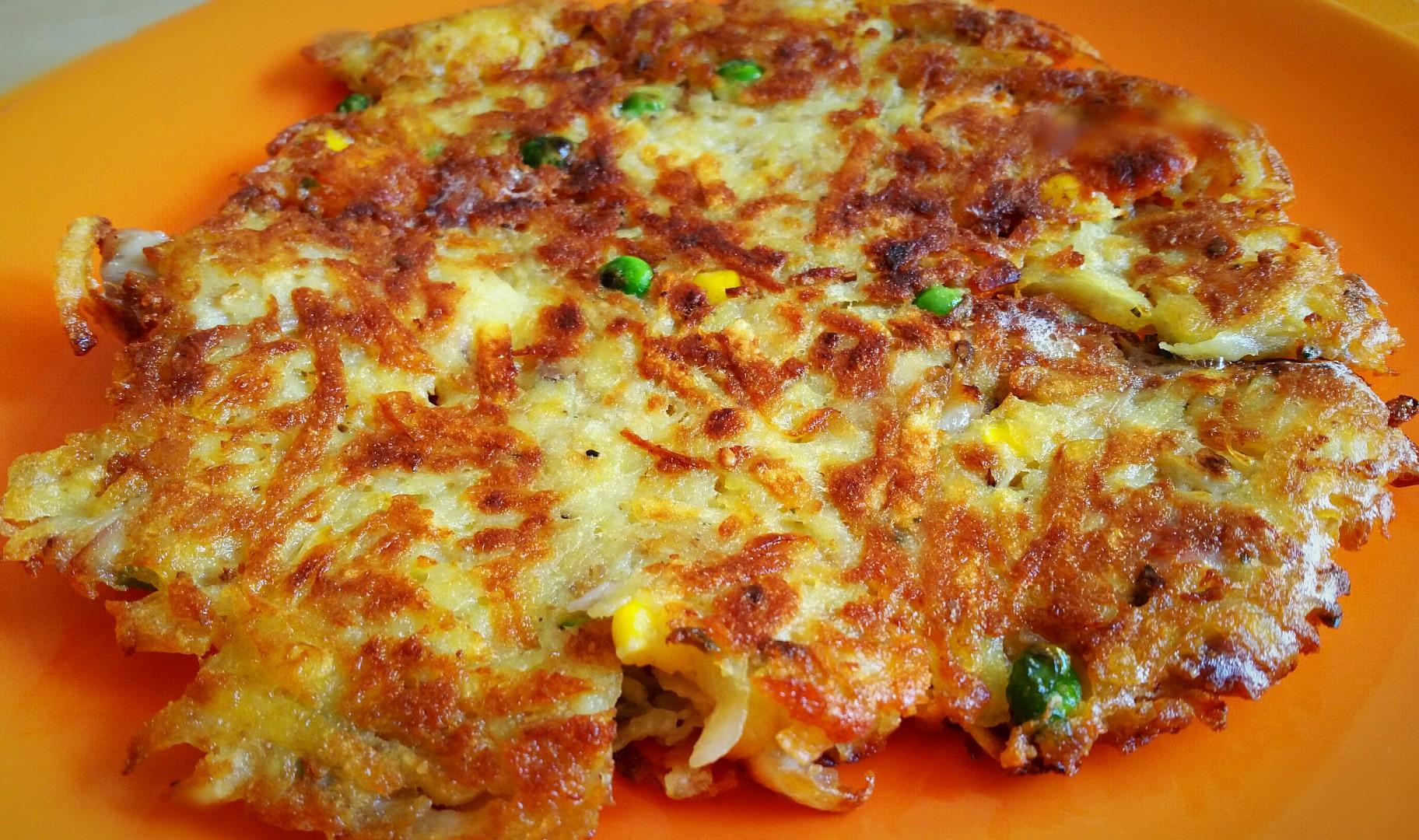 Bramborák se zeleninou a kuřecím masem recept