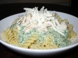 Smetanovo špenátová omáčka s kuřecím masem recept ...