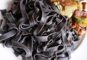 Sépiové těstoviny