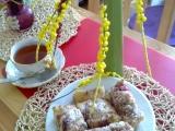 Koláčová bublanina s kokosem, jahodami a žmolenkou recept ...