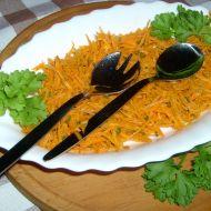 Mrkvový salát s cibulí a petrželkou recept