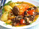Plněná paprika na hříbcích a rajčatech recept