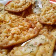Sýrové zapečené krekry recept