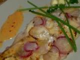 Mořská ryba v ředkvičkovém, šupinovém županu recept ...