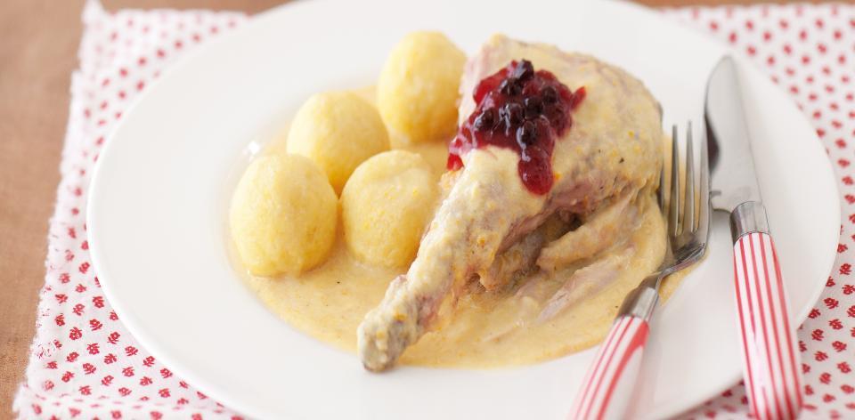 Svíčková z králíka s bramborovými knedlíky