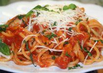 Špagety s kuřecím masem na kousky recept