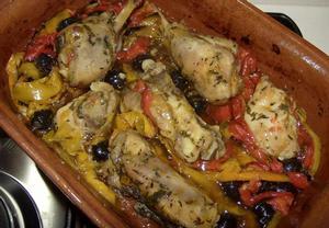 Kuřecí maso s paprikou a černými olivami