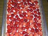 Piškotový ovocný koláč recept