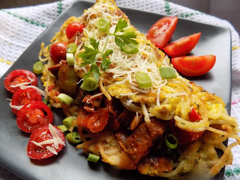 Špagetová omeleta se zeleninou recept