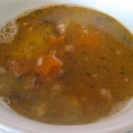 Polévka z uzených žeber recept