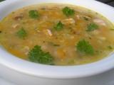 Polévka z červené čočky s uzenými křídly recept