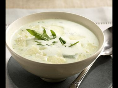 Čerstvá masová polévka se smetanou