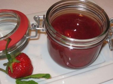Marmelády z domácí pekárny + delikatesní ostružinová