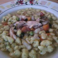 Kuřecí polévka se zeleninou a domácími nočky recept