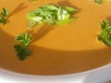 Polévka z červené čočky a čerstvého sýru recept