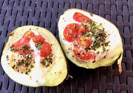 Zapečené avokádo s vejcem k snídani recept