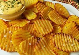 Domácí pečené chipsy s hořčičným dipem recept