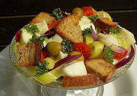Salát s mozzarellou a olivami recept