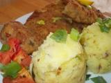 Řízky s oregánem, rajčátky a pórkovým šťouchaným bramborem ...