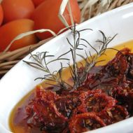Salát se sušenými rajčaty recept