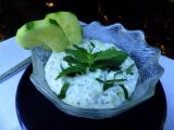 Chia semínka v jogurtu s okurkou a mátou recept