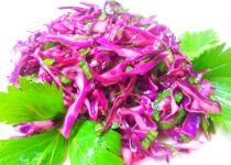 Zelny salat s celerovou nati recept