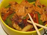 Opekane veprove nudlicky s omackou satay / wok recept ...