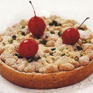 Křupavý koláč s pistáciemi a třešněmi recept