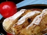 Jablkový závin z listového těsta recept