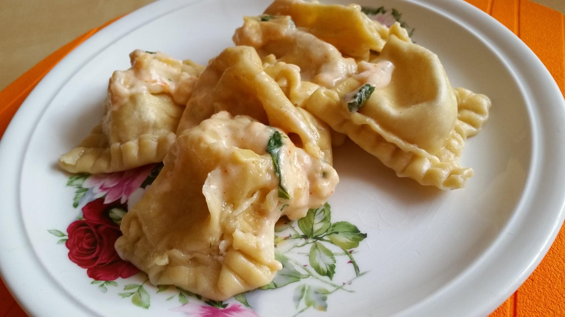Domácí těstoviny z Loštic se sýrovou omáčkou recept