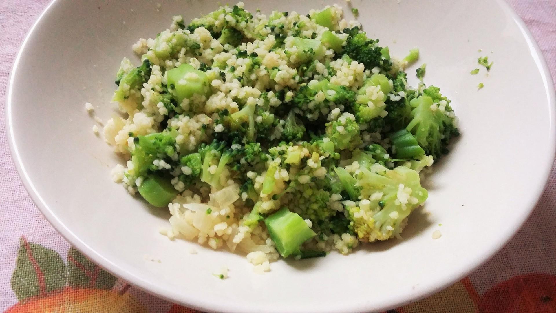 Brokolice nastavená kuskusem recept