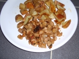 Vepřové kousky s medem a pečenými brambory recept ...