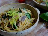 Špagety se žampiony, špenátem a uzeným tofu recept  TopRecepty ...