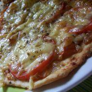 Rajčatovo-sýrová pizza recept