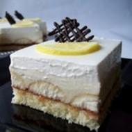 Nepečený dort s pudinkovým krémem a ovocem recept