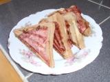 Tousty s anglickou slaninou a pažitkou recept