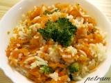 Pikantní rýže s chili a dušenou zeleninou recept