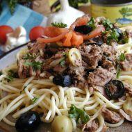 Špagety s tuňákem a olivami recept