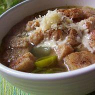 Pórková polévka s krutony recept